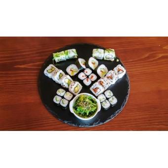 """Суши сет """"Веджи"""" - 28 хапки + салата"""